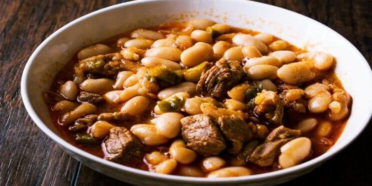 Recette de ragoût de haricots blancs à la viande (Etli Kuru Fasülye )