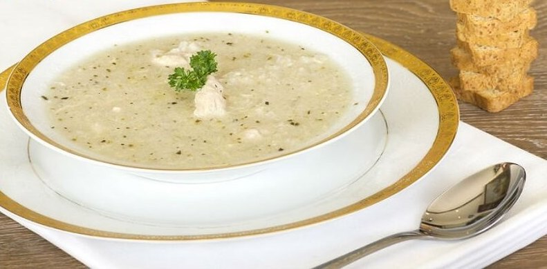 Recette de soupe au bouillon de poulet (avec nouilles)