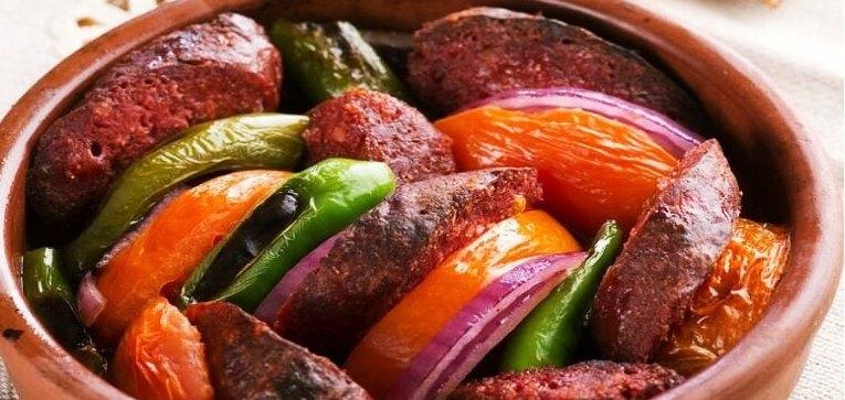 Saucisse en casserole Petit déjeuner turc